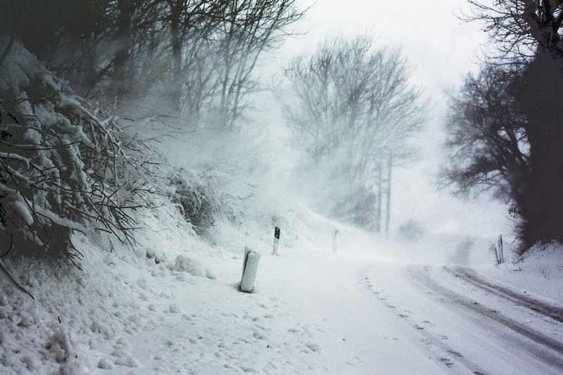 Der Daisy-Winter: Kaum noch ein Durchkommen auf unseren Straßen.
