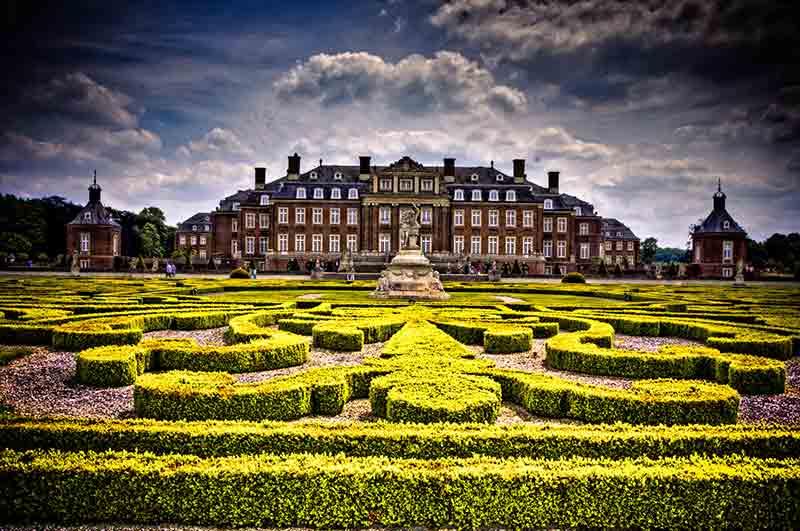 Das Große Parterre von Schloss Nordkirchen zeigt die ganze Schönheit barocker Gartenkunst.