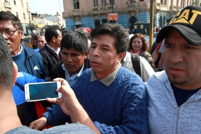 Pedro Castillo secretario general del Sute  Regional amenaza con huelga este 18.