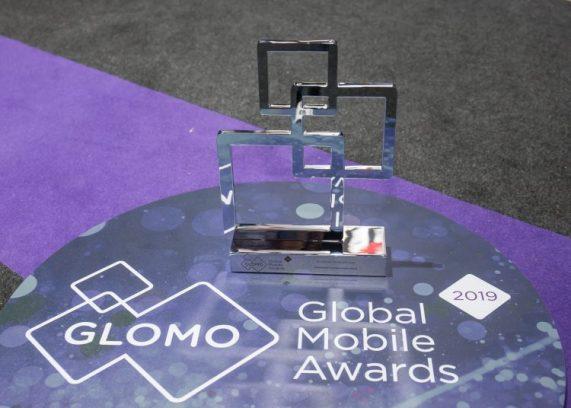 GLOMO-Awards_Galaxy-WatchBest-Usable-Mobile-Technology-e1551293458877
