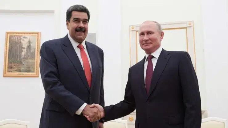 Trump presiona a Maduro y este se apoya en Putin