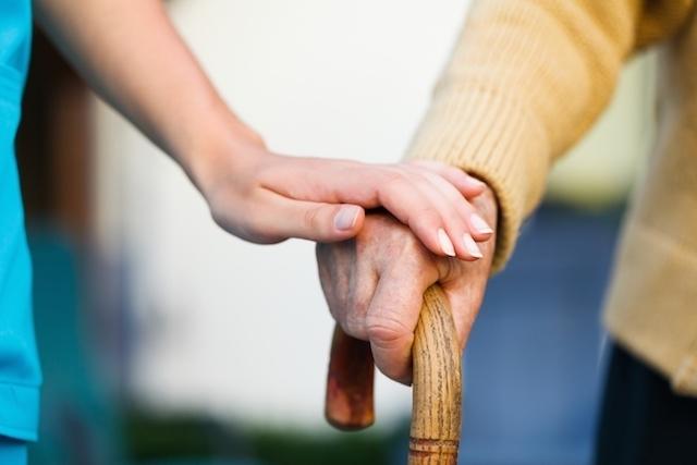 7 de las situaciones que provocan temblor en las manos y en el cuerpo