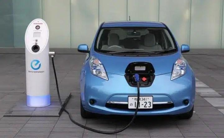 recarga de auto eléctrico