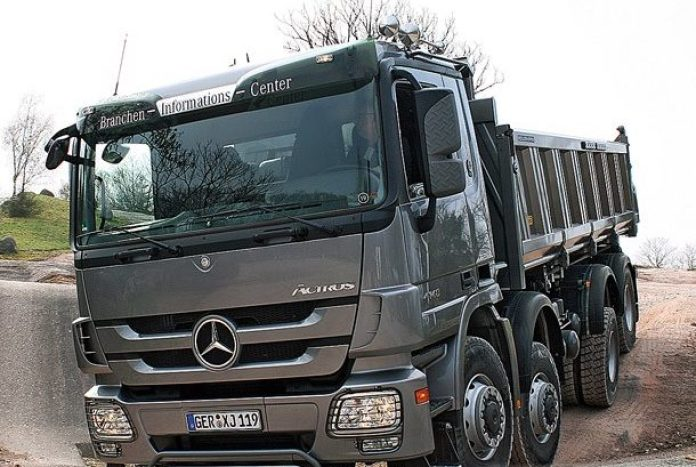 mercedez camión volquet