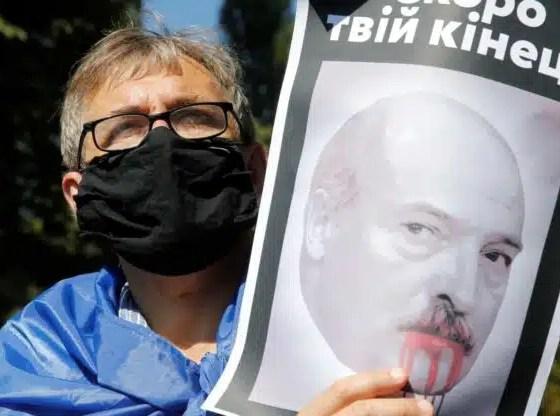 Bielorrusia: Vídeo presidente Lukashenko armado durante protestas