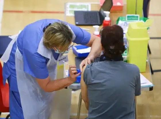 vacunas Pfizer y Astrazeneca