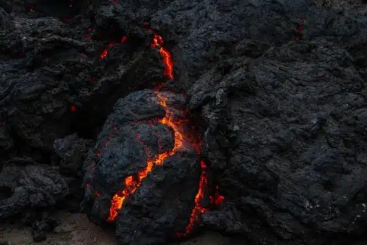Ríos de lava volcánica invaden ciudad en África, Vea las imágenes