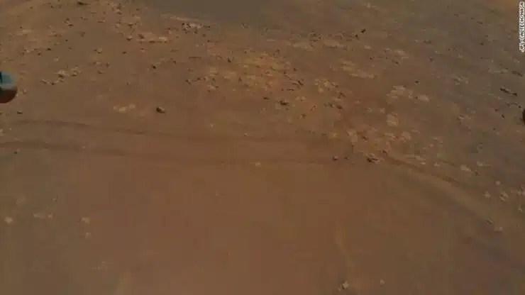 Helicóptero detecta características intrigantes en Marte durante el vuelo récord