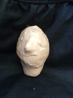 Huvud med kort hals