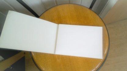 Akvarellblock med vita sidor