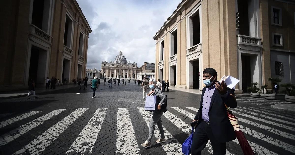 European Union Passes U.S. in Active Coronavirus Cases
