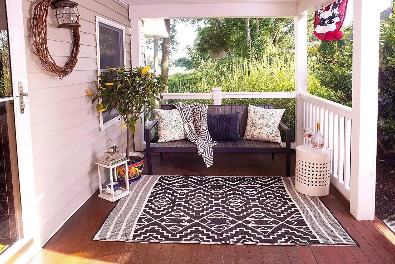 fab habitat reversible rugs indoor or outdoor use kilimanjaro black 5 x 8