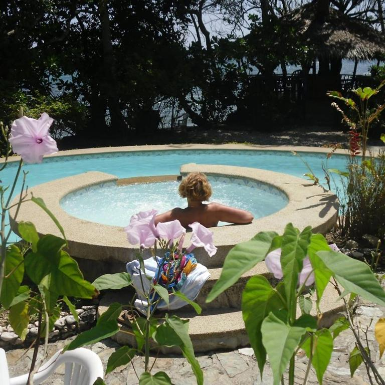 where to stay in Puerto Galera, Blue Crystal Resort