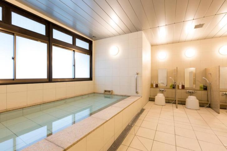ファーストキャビンの浴室の写真