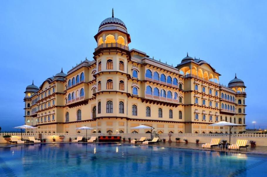 Hotel Noor Mahal, Karnāl, India - Booking.com