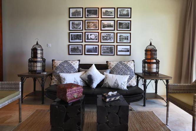 Spider Queen Convertible Sofa Baci Living Room