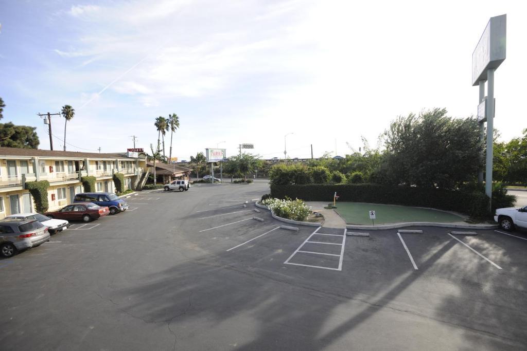 Victoria Motel Ventura Book Your Hotel With ViaMichelin