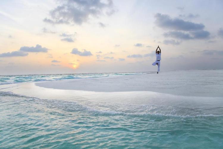 Йога на Мальдивах в отеле Барос