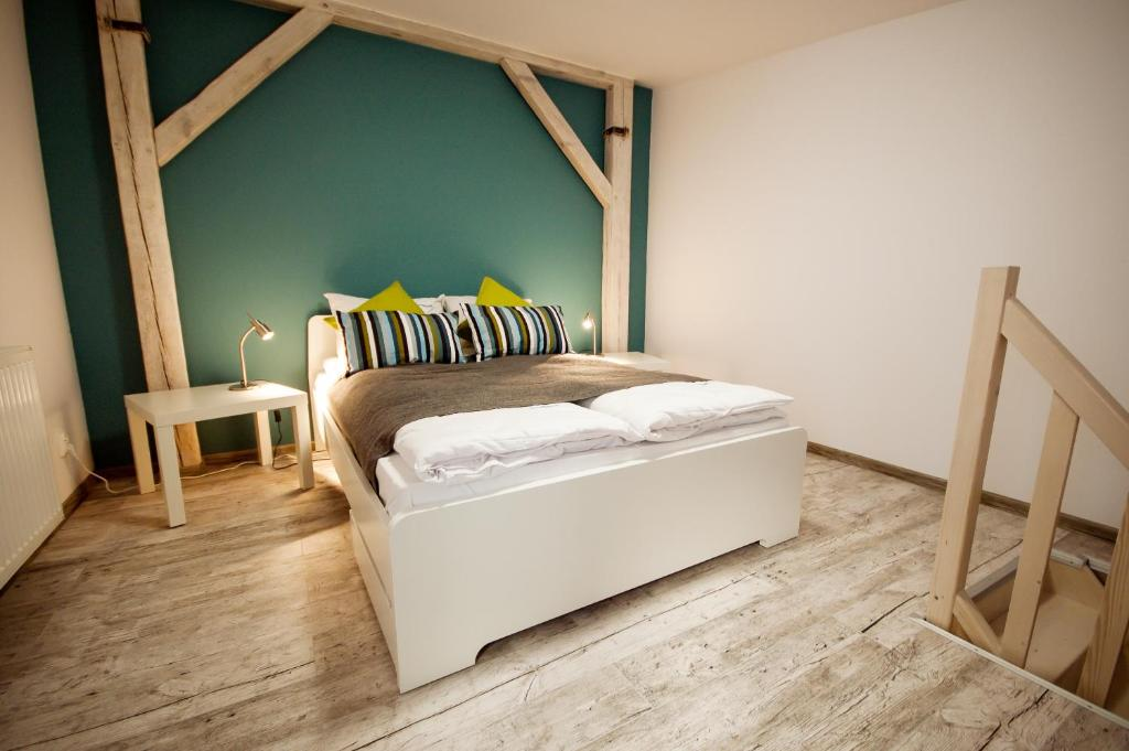 Lucrezia ponte 6 ante, colore bianco. Dream Team Pomorska Appartamenti Bydgoszcz
