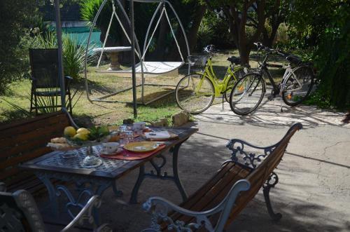 Di arredo sia per l'interno casa che per la terrazza o il giardino. Calicantus Bed E Breakfast Bed Breakfast Albenga