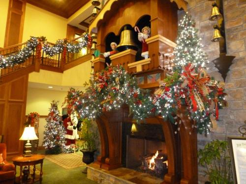 the inn at christmas place hotel pigeon forge in tn