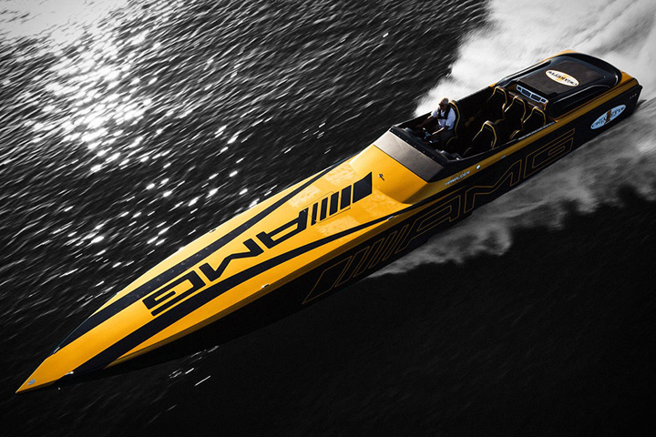 Cigarette AMG Racing Boat