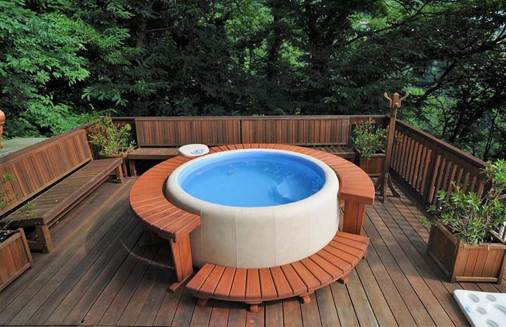 Softub Inflatable Soft Hot Tub