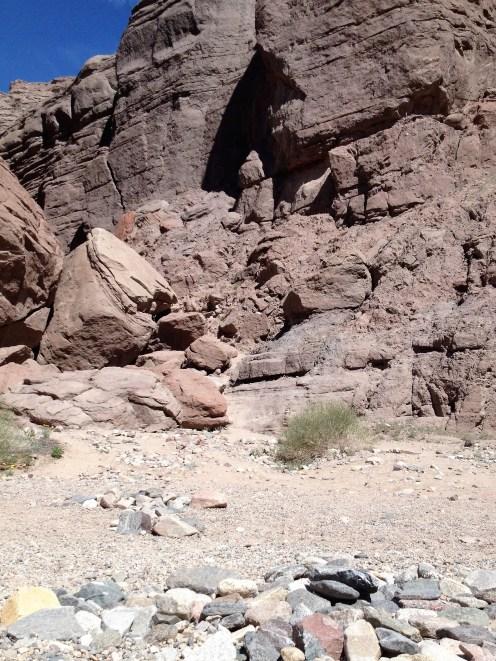 """Le début du """"Ladder Canyon Trail"""" qu'on n'aurait jamais trouvé sans les énormes flèches au sol"""