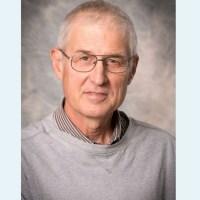 """Q INFOS - Rob Oswald, docteur en virologie: """"L'arnaque du C19 dévoilée""""."""