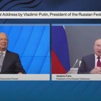 Q SCOOP - Quand Vladimir Poutine prend la parole devant le forum de Davos par visioconférence.