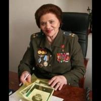 Q VIDÉOS - Les révélations de la cosmonaute Marina Popovitch.