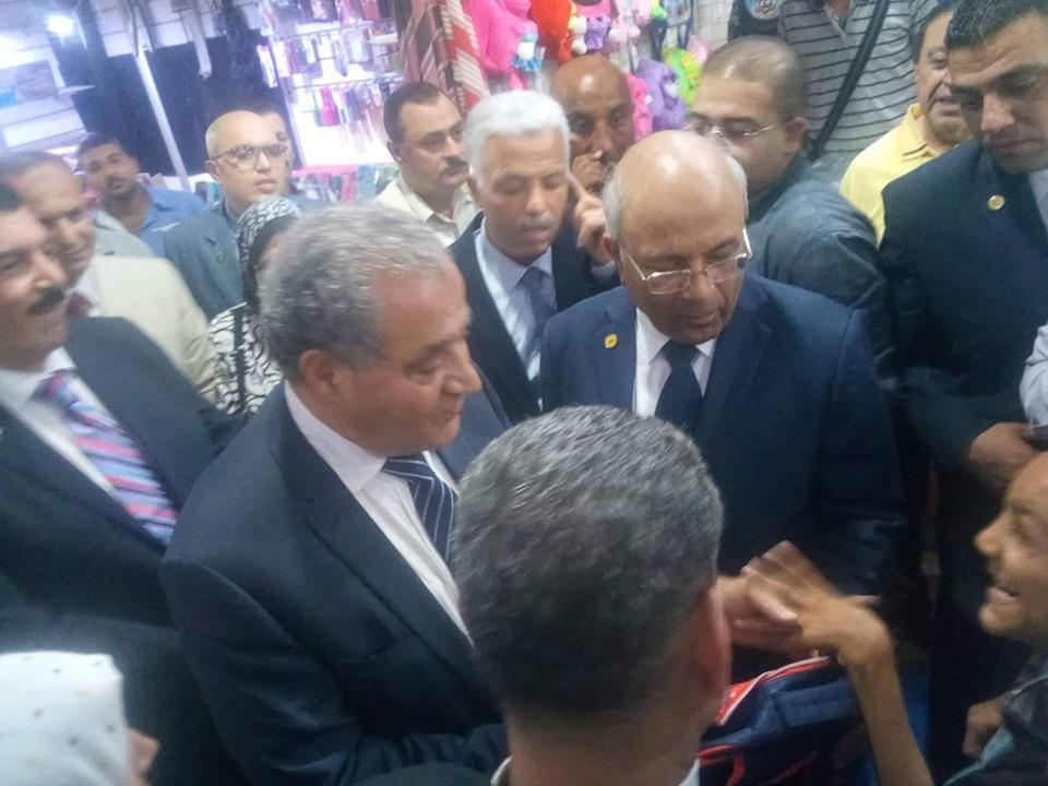 وزير التموين يفتتح معرض  أهلا بالمدارس  بشبرا الخيمة