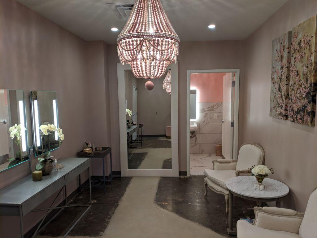 Good-Life-Enderly-Park-bridal-suite