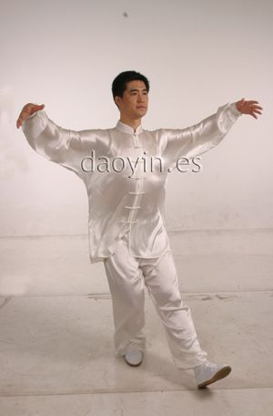 Qigong Daoyin Donggong caminando.
