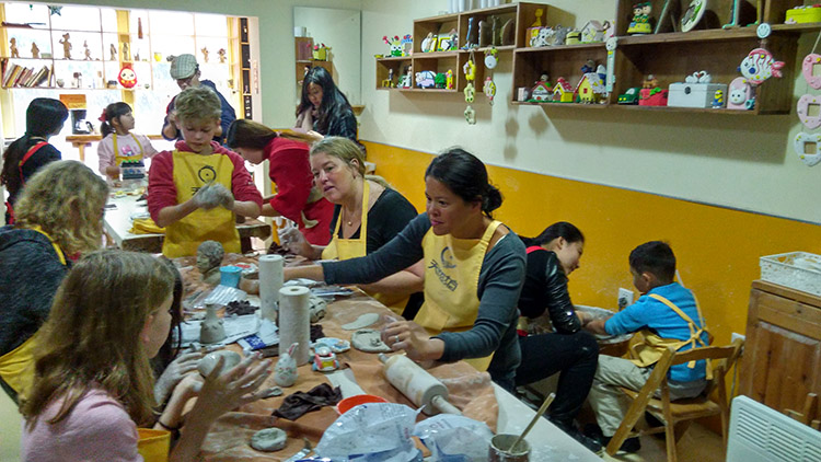 Doing pottery Qingdao