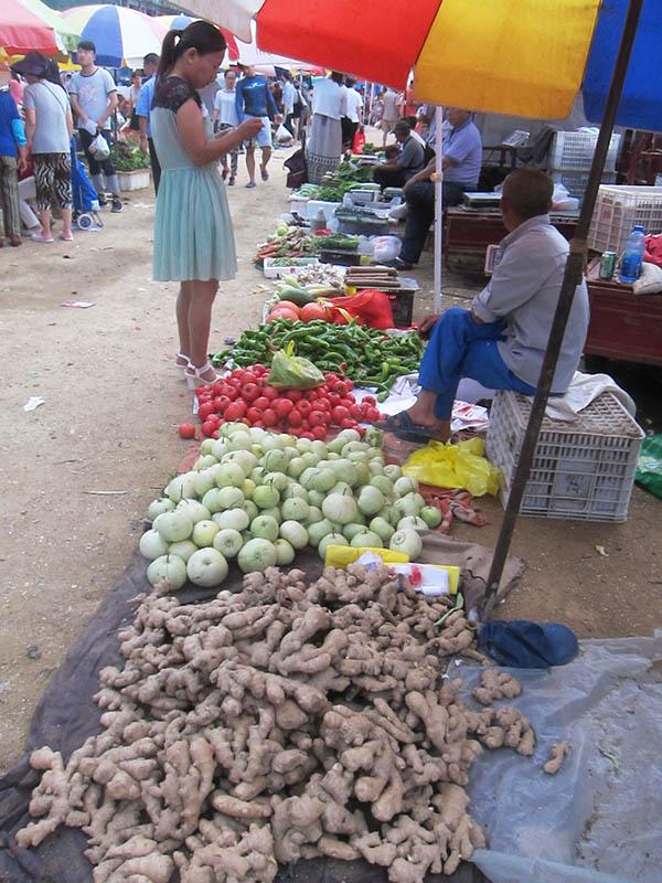 Qingdao day trip Haiyang veggie market