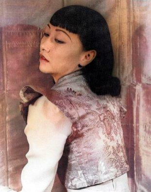 anna may wong via 【旗袍名媛】黄柳霜:好莱坞首位华人女星的忧伤_ - 性感旗袍女装网