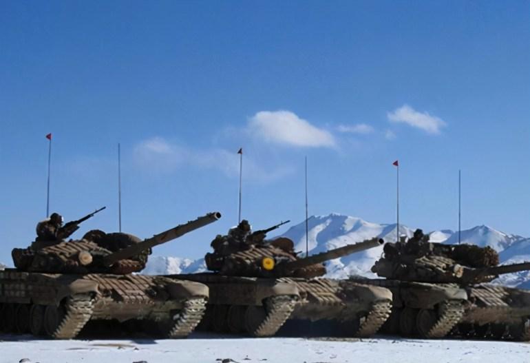 """美航母舰岛现神秘设备,外形似潜艇""""消声瓦"""",不让人过春节了?"""