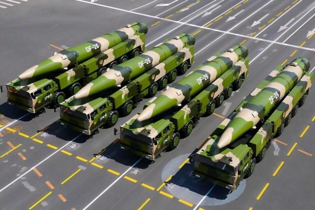 噸位比075攻擊艦還大,兩艘直升機航母加緊趕工,美:藏得真深
