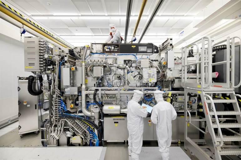 四处布势,美军已经准备好扣动扳机?金灿荣:中国只需要做好一件事