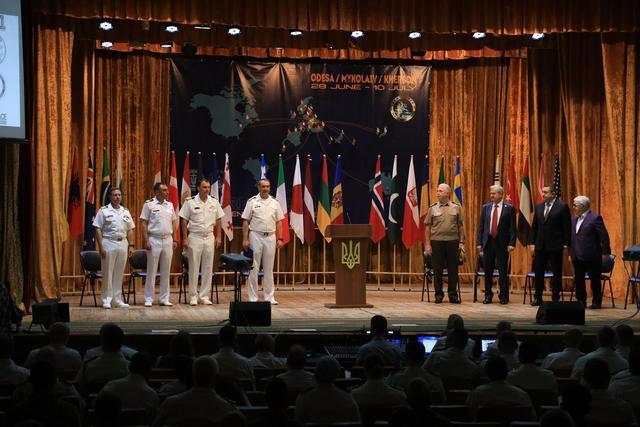 日本人开创恶劣先例!驻韩公使公然侮辱文在寅,或遭韩方驱逐出境