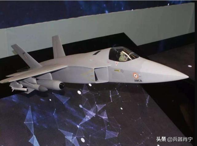 美國被現實打臉!塔利班不費力再奪戰略要地,標誌性白旗風中飄揚