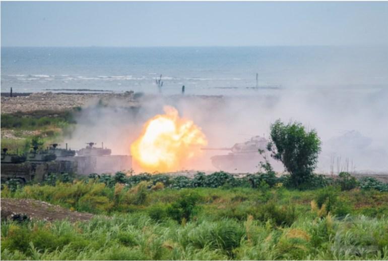 美军在亚太频繁挑衅,解放军舰队战巡,逼近北美,用行动展示实力