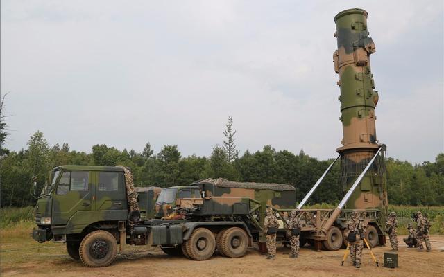 台湾艺人吴宗宪回应将定居上海,称只是去做生意,靠副业年入上亿