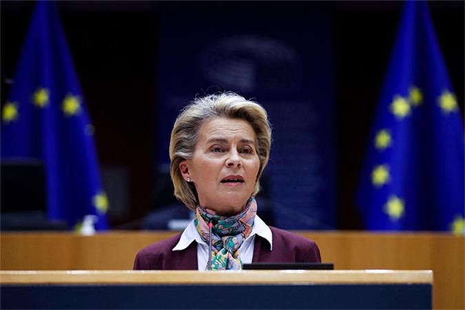莫迪赠美国一副国际象棋,向澳大利亚赠一艘船,外媒:别有用心