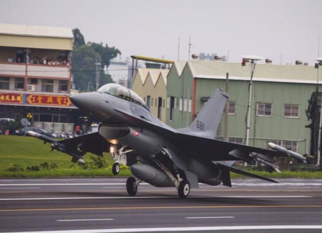 倘若美日联手,与中国爆发冲突,中国军力能否抵挡得了?