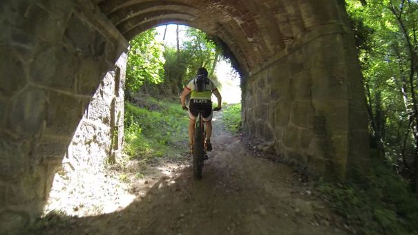 mtb fat bike tunel