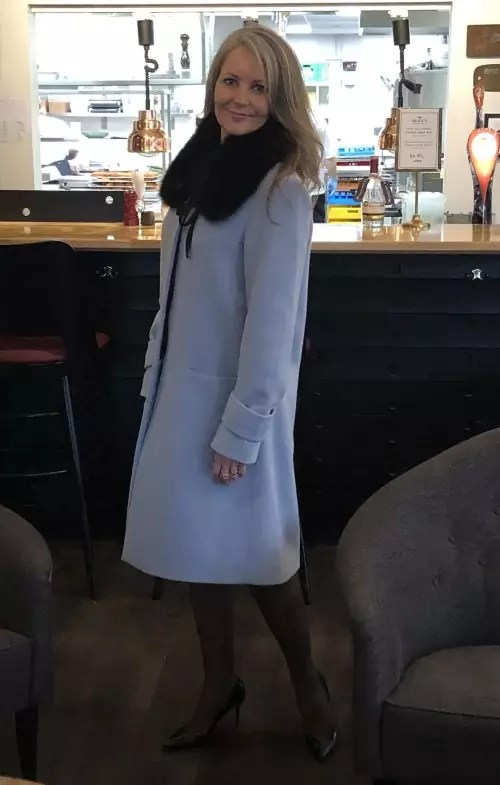 uldfrakke lyseblå