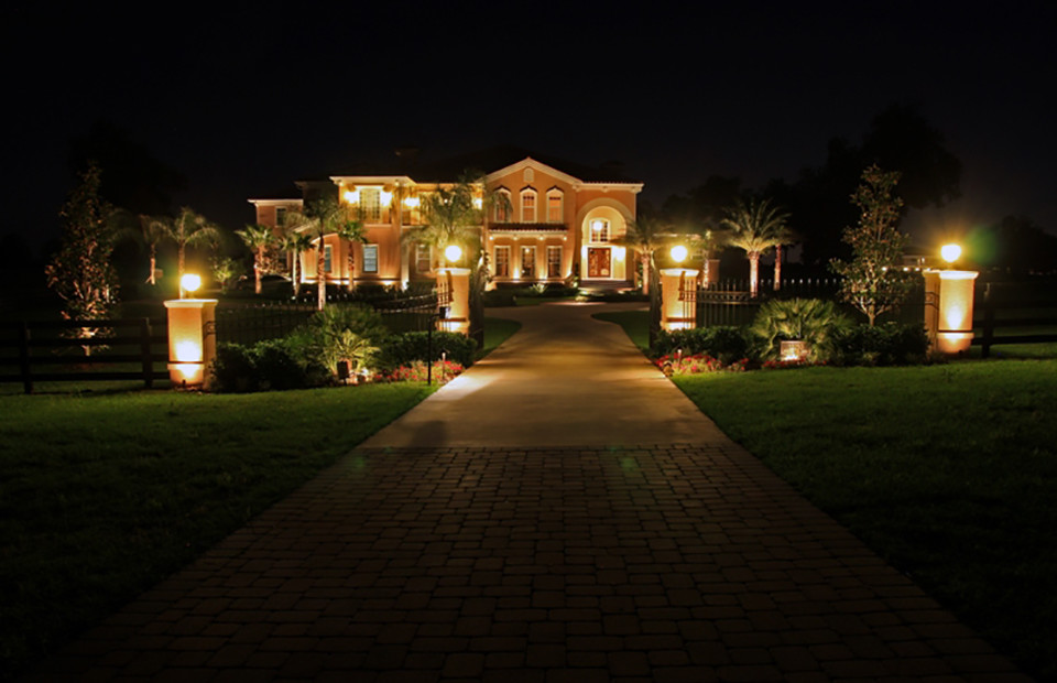 best patio garden and landscape lighting ideas for 2014 Front Lawn Lighting Ideas id=39890