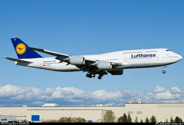 What Are The Key Differences Between A Boeing 747 And 744